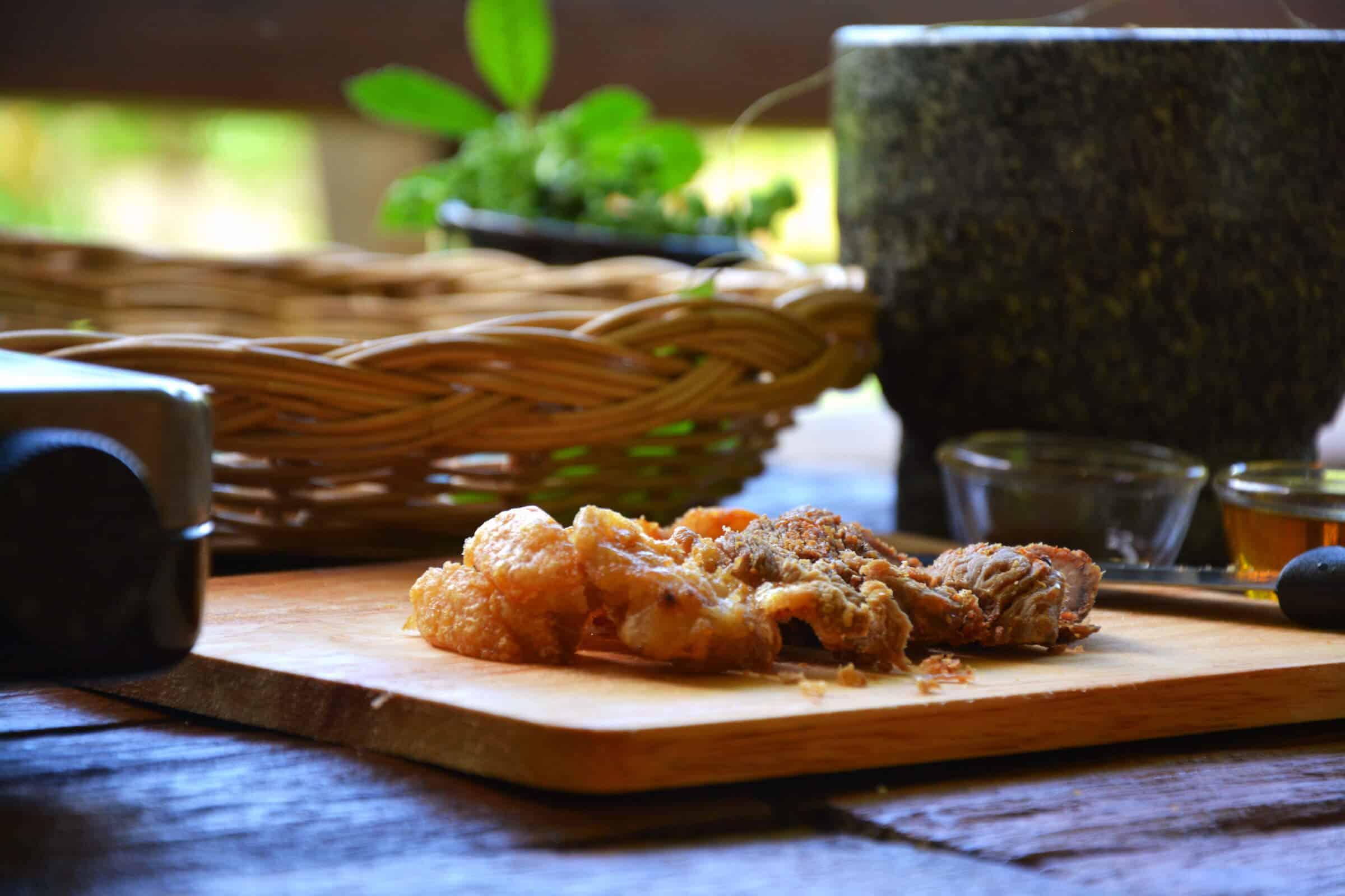 pad krapow thai keto chop pork